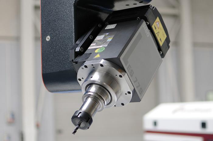 W superbly Frezarki CNC 5-osi - profesjonalne obrabiarki CNC - Kimla UH66